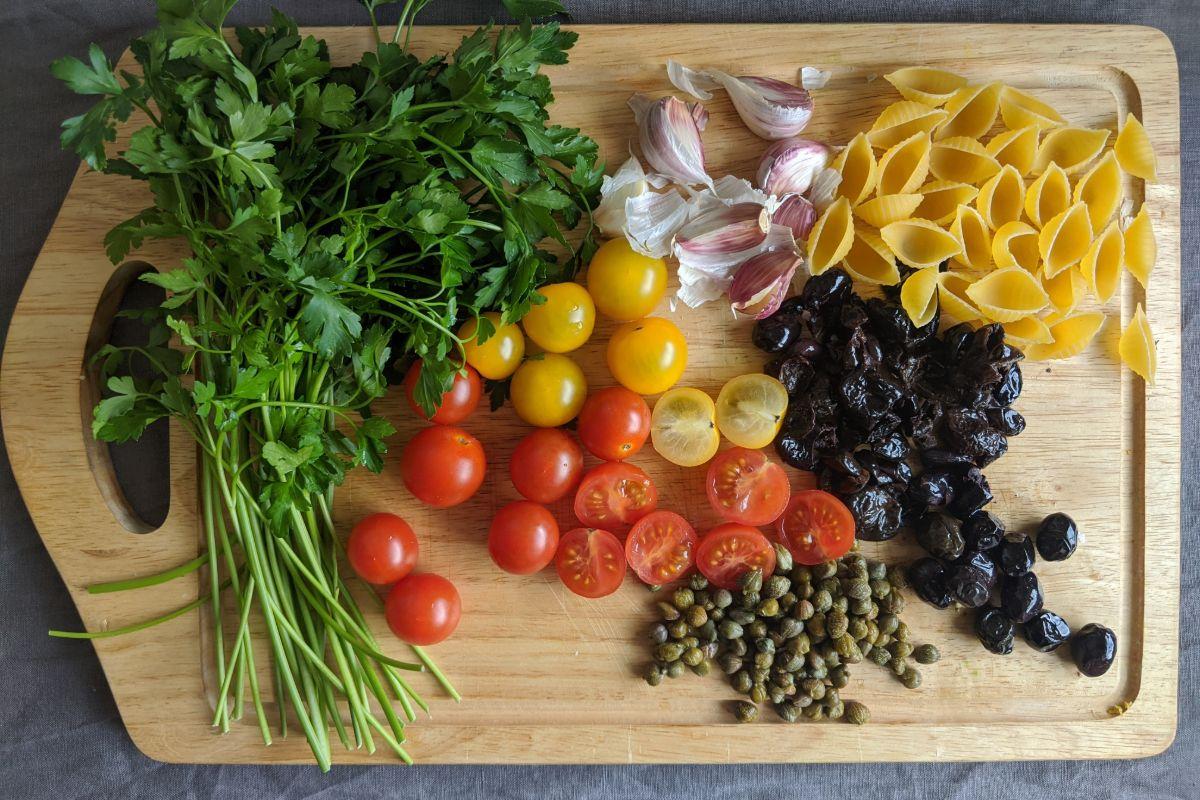 Pasta Capperi, Pomodorini e Olive Ingredients
