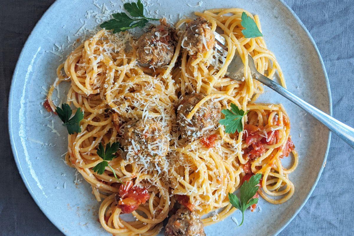 Strazzanti Polpette with Pasta