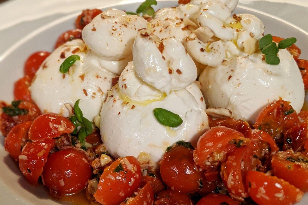 burratta and pesto toms 2